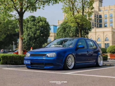 "Most beautiful Volkswagen golf 4 bagged""Classic forever"""