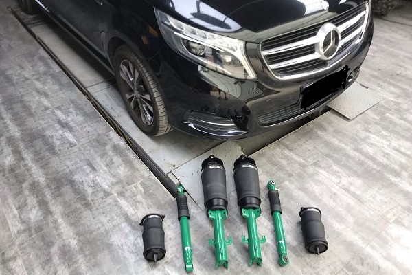 Benz V260L airsuspension Using Japanese tein shock absorber