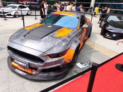 Suzhou GT show: Ford Mustang airride