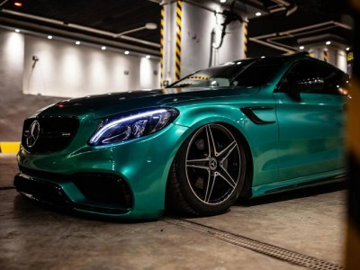 "He's from Egypt Benz AMG C63 airride""Green Gemstone"""