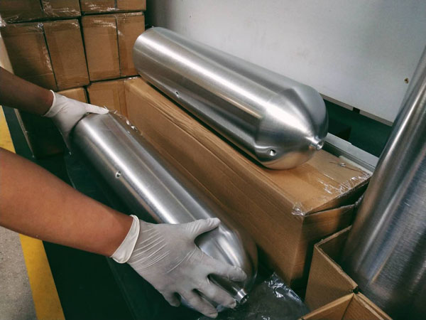 Airride aluminum alloy explosion-proof gas tank packaging delivery